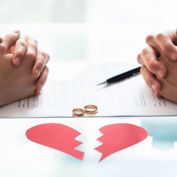 Couple agreeing the grounds for divorce